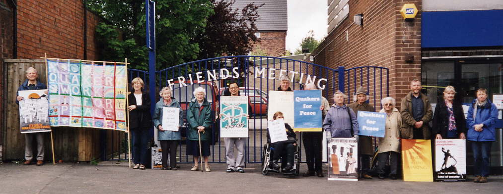 Cotteridge Quakers witness against impending war 2002